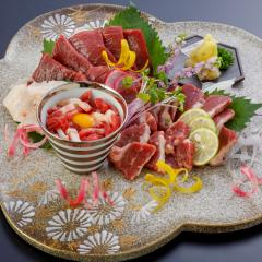 お中元 馬刺し 熊本 国産 バラエティセット 350g 約7人前 赤身 たてがみ ユッケ 馬肉 馬刺 肉 食べ物 ギフト おつまみ