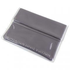 ルイヴィトン LOUIS VUITTON フォンダシオンルイヴィトン Fondation Louis Vuitton タブレットケース TABLET POUCH グレー