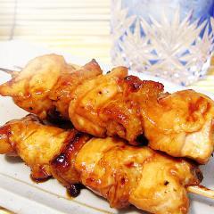水郷どりのむね皮焼き鳥(醤油だれ)5本セット ~昭和から愛されている昔ながらのすっきりした醤油だれ。初めて食べるはずなのにどこか懐かしい味わいです~