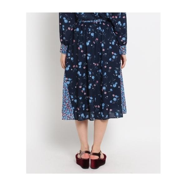 バレリーフラワープリントスカート