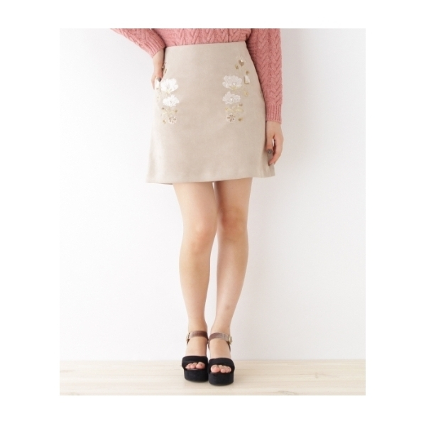 【WEB限定プライス】花刺繍台形スカート