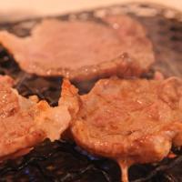 送料無料【4/13~18出荷】流通1%の幻の赤身 山長ミートさん 幻のいわて短角牛 焼き肉用 1キロ ※冷蔵