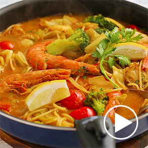 魚介のブイヤベース鍋 スープパスタ仕立て