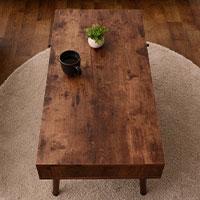 窮屈感の無いテーブル