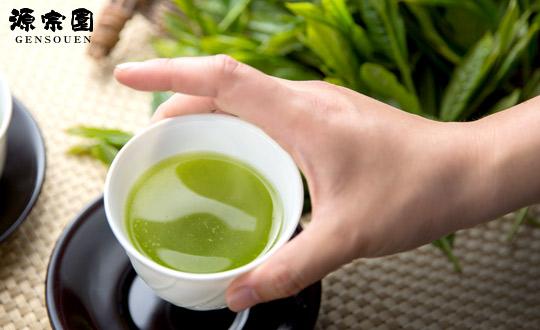 自社農園の静岡茶やオリジナル茶菓子