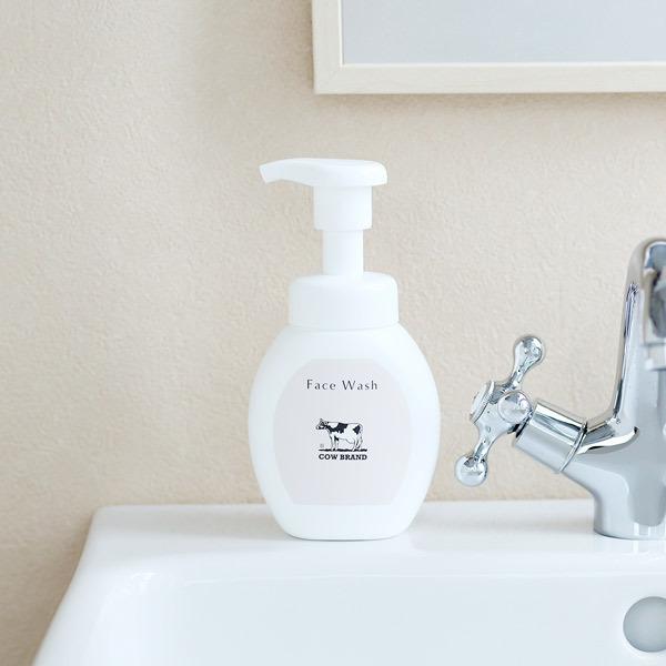 カウブランド 無添加 泡の洗顔料 ポンプ