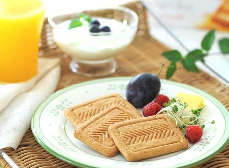 ジェルブレでフレンチスタイルの朝食を